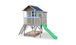 Drewniane domki na plac zabaw